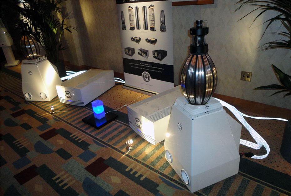 MBL 9011 Power Amplifiers with 101E MkII Radialstrahler Loudspeaker
