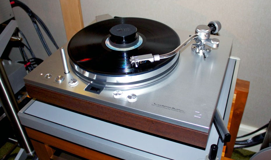2011 Rmaf Coverage Vi Turntable Eye Candy Part 2