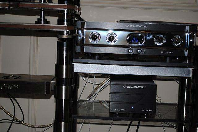 VeloceLithio LS-1 preamp and Saetta Lithio mono amps at CES 2013