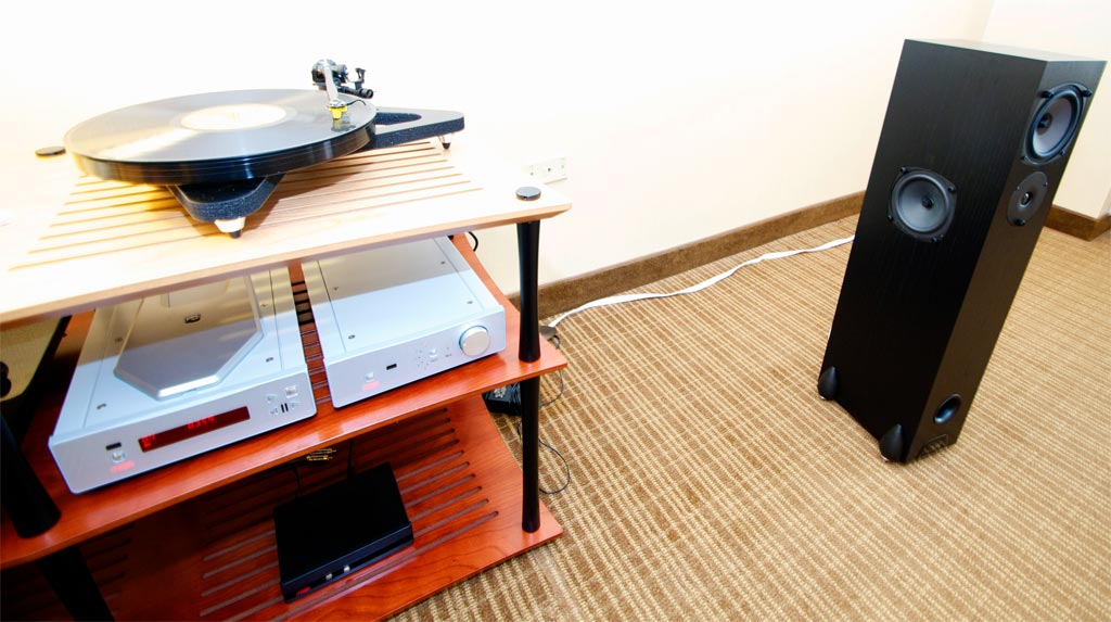 RS3 speakers $1,399 - RP8 turntable - Apollo R CD player - Brio R integrated amplifier - at AXPONA 2013