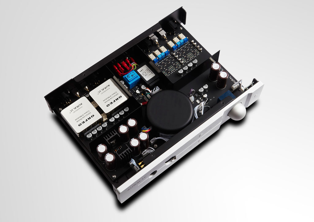 AURALiC  Reference Grade  TAURUS MKII Balanced Headphone Amplifier insides